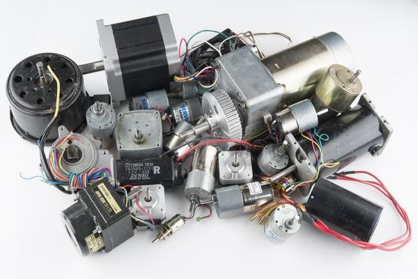 موتورها و کاربرد آنها در رباتیک